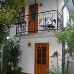 № 65 Крым, Алупка - гостевой дом в Алупке.