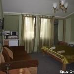 № 682 Крым, Ялта - отель по ул. Рабочая