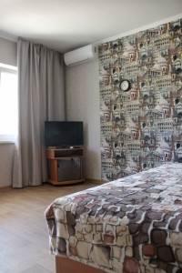 № 1246. Крым, Новый Свет-1-х комнатная кв, ул.Шаляпина, 6, 1500 руб.
